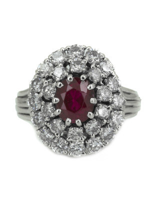Bague rubis et double entourage diamants