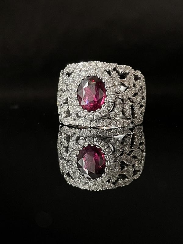 Bague dentelle rubis et diamants