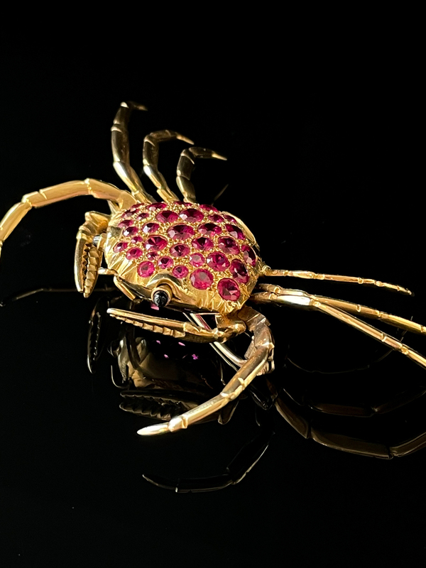 Broche crabe rubis