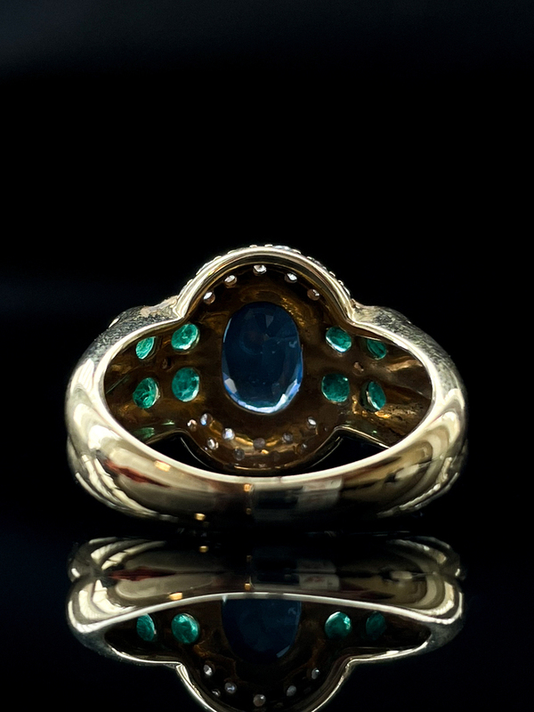 Bague saphir ceylan entourage emeraudes et diamants